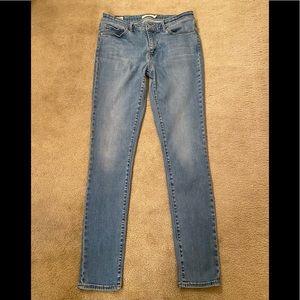 Levi's 711 skinny leg  31x32 Premium quality tag